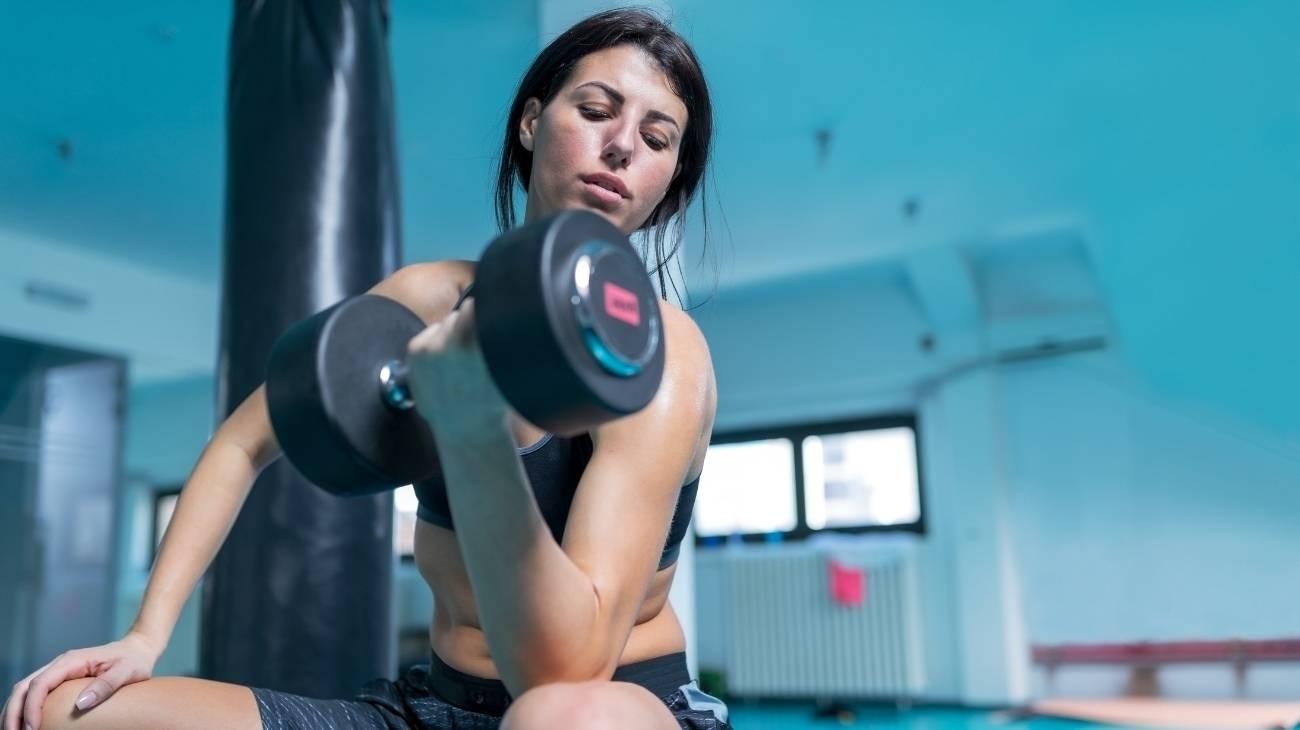 ¿Cómo elegir las mejores coderas deportivas de compresión para halterofilia, gimnasio y fitness?