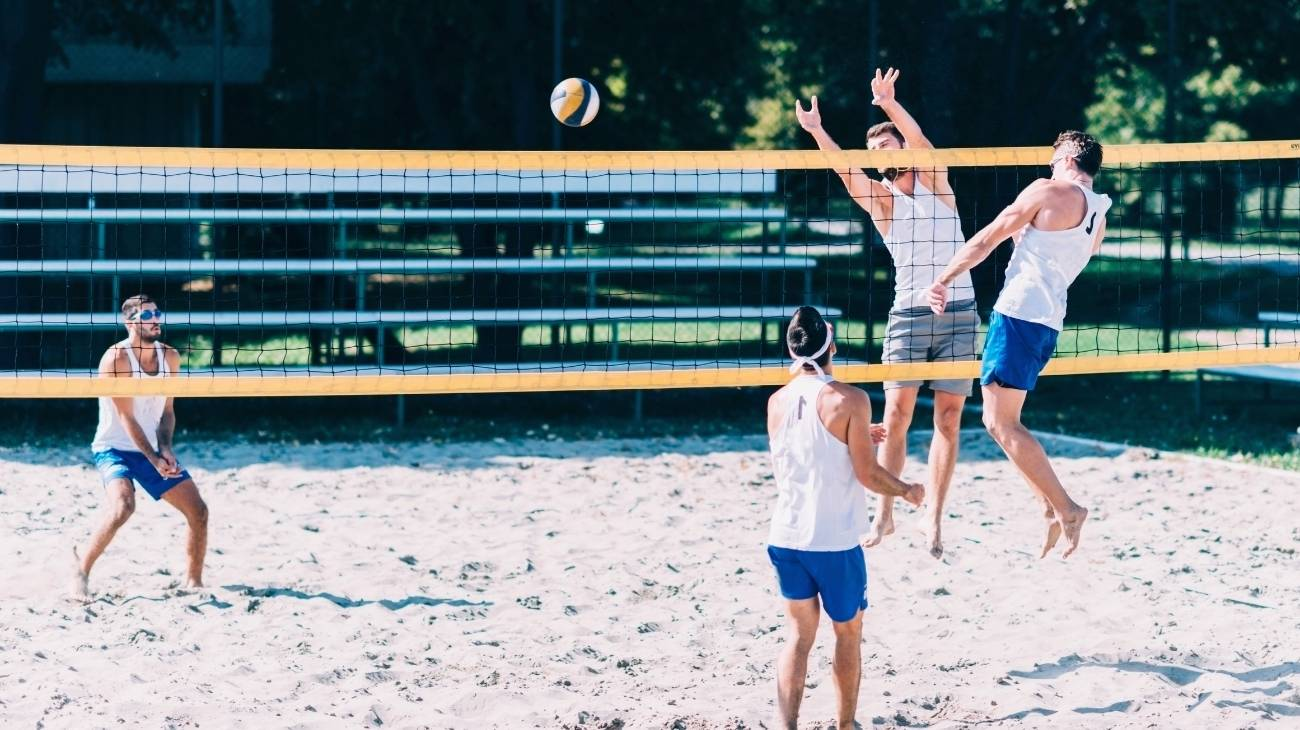 How to choose the best elbow sleeves & braces for volleyball?