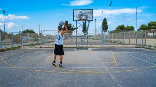 ¿Cómo elegir las mejores hombreras deportivas de compresión para baloncesto?