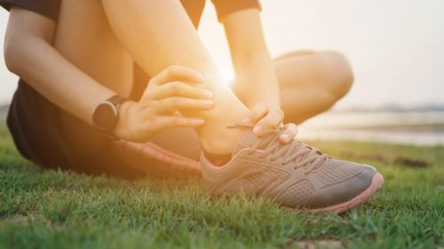 How to choose the best ankle brace & sleeves for sprain & strain?