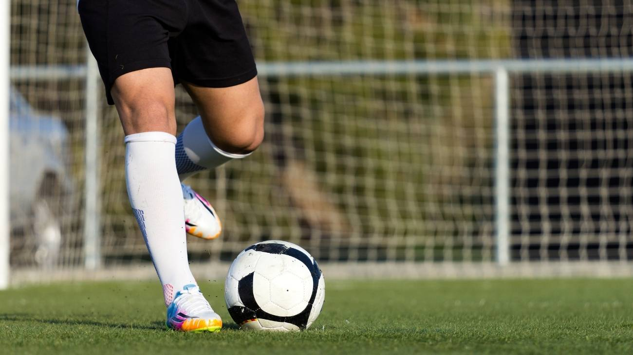 How to choose the best compression socks & stockings for football?