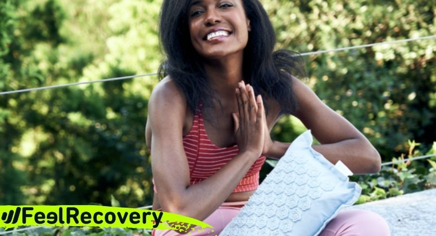 How can using the acupressure mat help to reduce anxiety?