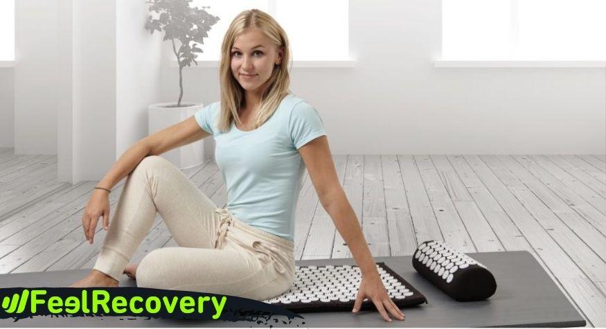 How can the acupressure mat help me sleep better?