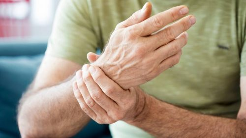 How do you use ice gel packs to help relieve arthritis and osteoarthritis pain?