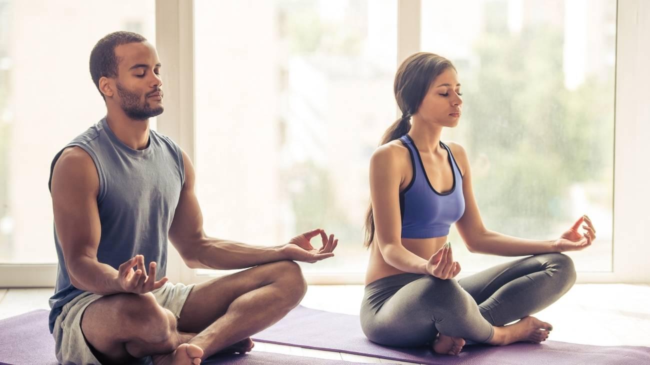 ¿Cómo usar una esterilla de acupresión para Yoga y la relajación y cuáles son los mejores ejercicios?