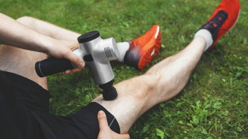How to use a electric massager gun for athletes and improve sports performance?