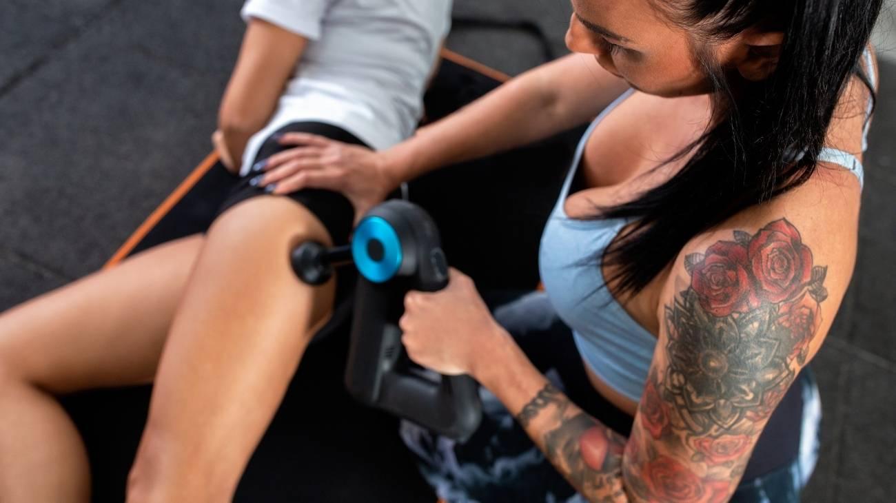 ¿El uso de una pistola de masaje eléctrica puede ayudar a reducir la celulitis o a perder peso?