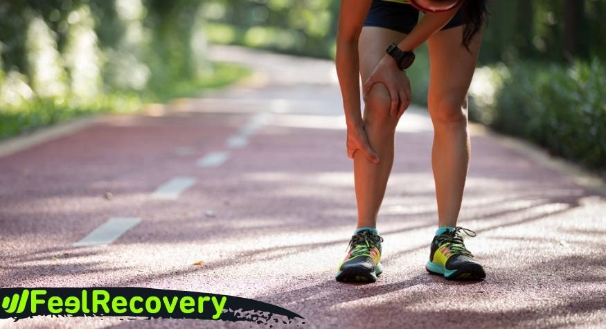 What are the health benefits of compression sports socks for men and women?