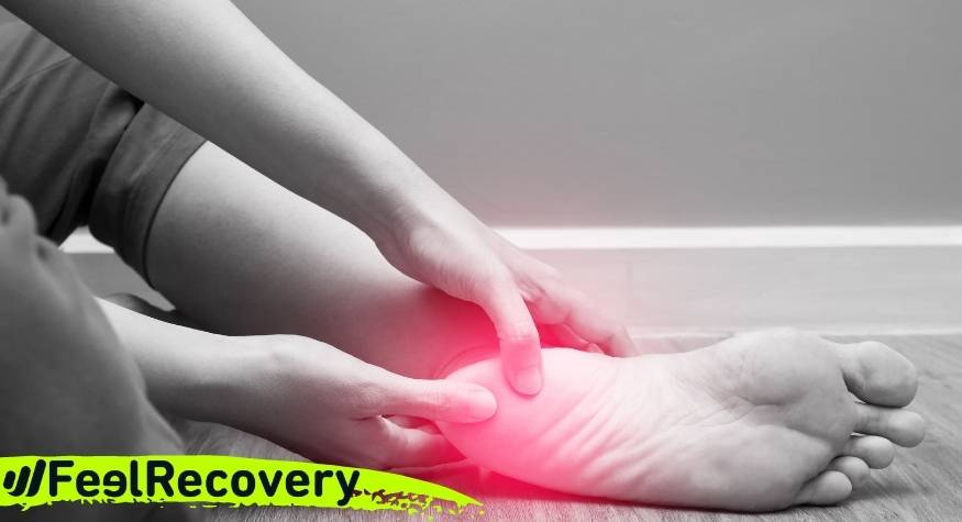 ¿Qué es mejor para reducir el dolor de la planta del pie por una fascitis plantar, frío o calor?