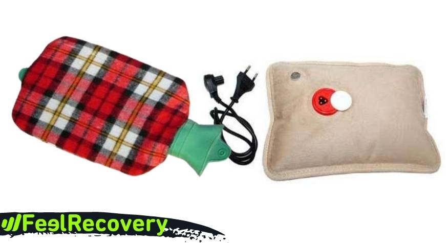 What types of hot water bottles are there?